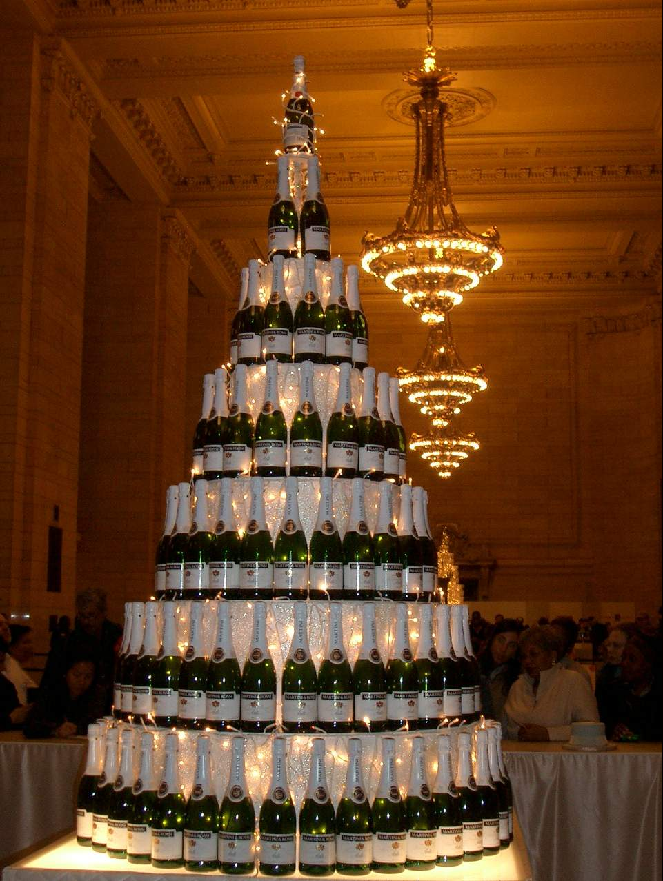 062%20%20champagne%20tower