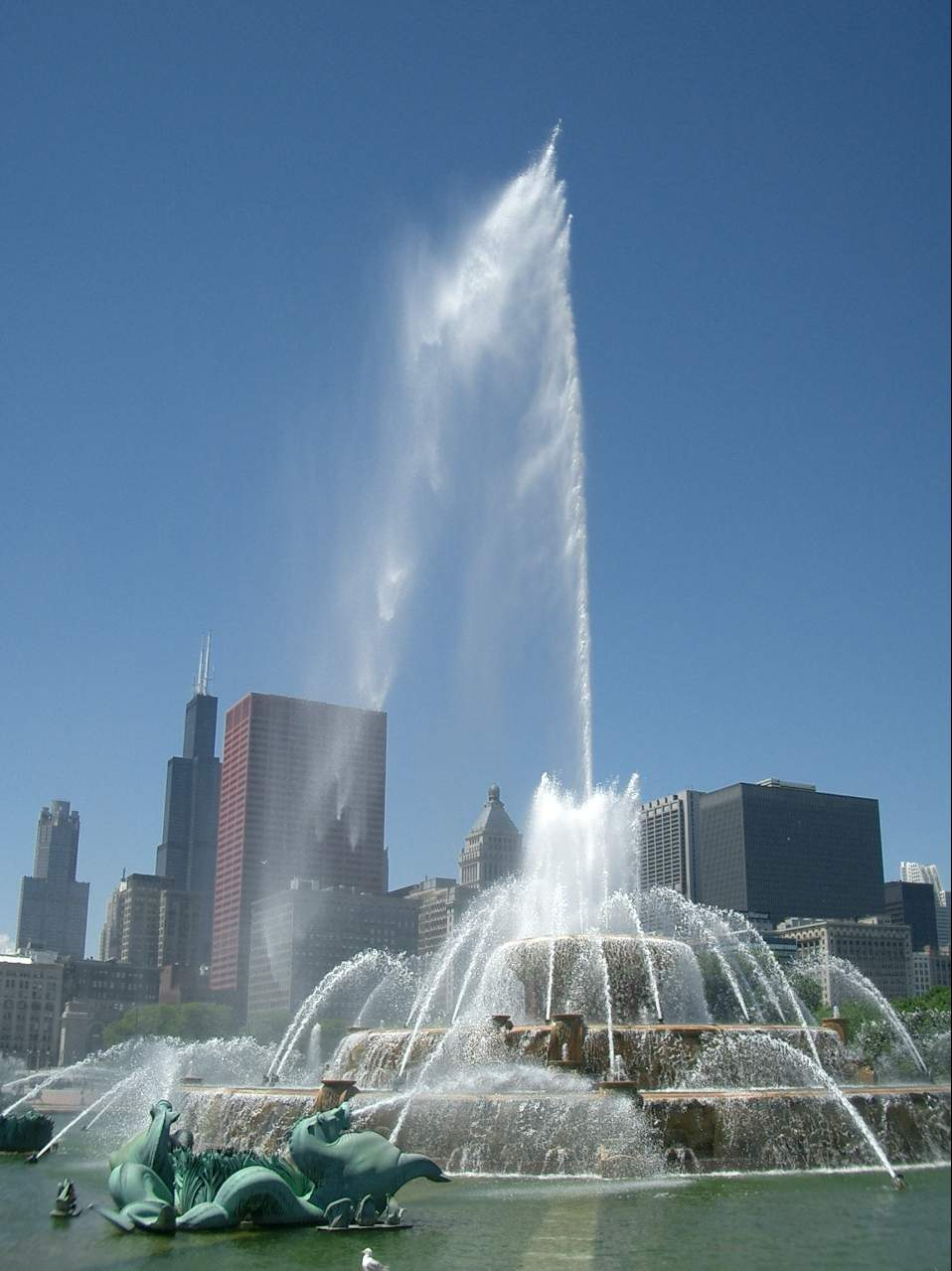 Buckingham Fountain - Attraction - 500 South Lake Shore Dr, Chicago, IL, United States